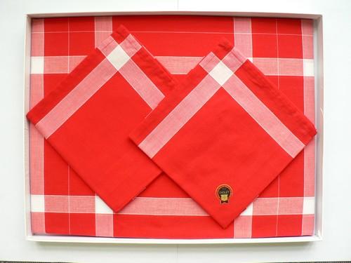 production mouchoir rouge cholet