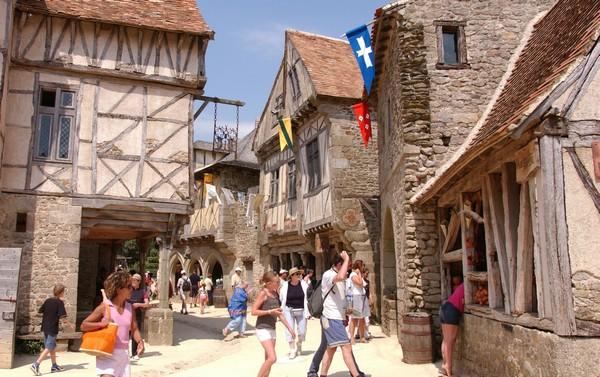 Réservez votre hôtel pour le Puy du Fou